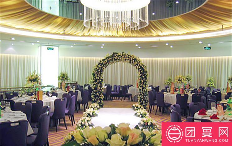 天鹅堡婚礼堂婚宴图片