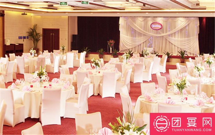 北京国际艺苑皇冠假日酒店婚宴图片
