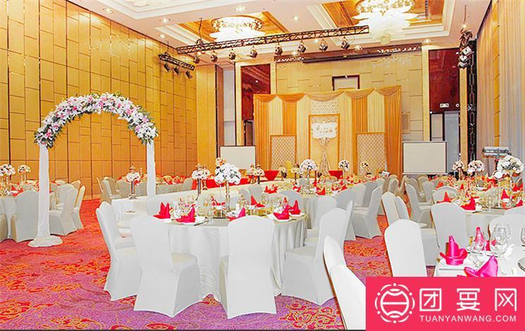 滇池睡美人餐厅婚宴图片